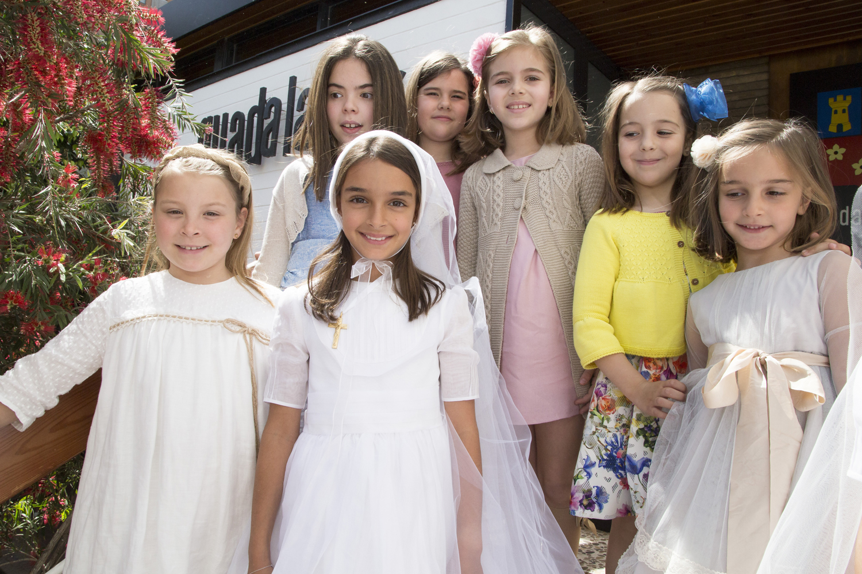 5d6ab8719b Desde el colegio queremos felicitar a todas las niñas y a sus familias por  celebrar con nosotros una fiesta tan grande.