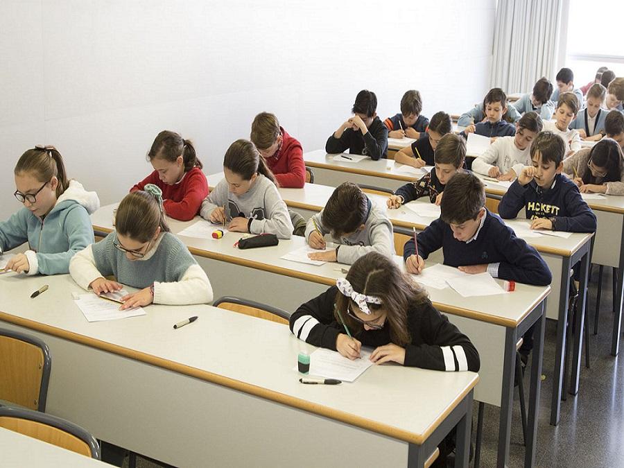 Cientos de escolares ponen a pruba sus conocimientos en la primera fase de la XXIX Jornada Matemática Valencia